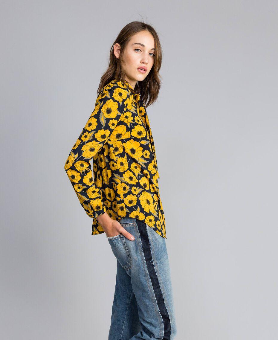 "Camicia in crêpe de Chine stampata Stampa Wind Flower Giallo ""Golden Yellow"" / Blu Donna YA82FV-02"
