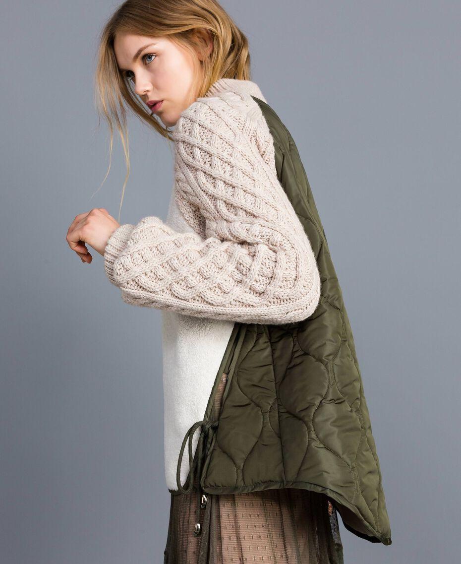 Blouson en faux mouton et nylon Bicolore Vert Forêt / Blanc Neige Femme TA82BP-02