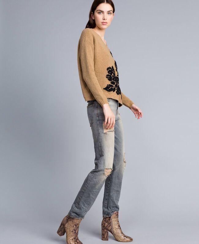 Pull bicolore avec incrustation florale Bicolore Beige Cookie Fleur Noir Femme TA8393-03