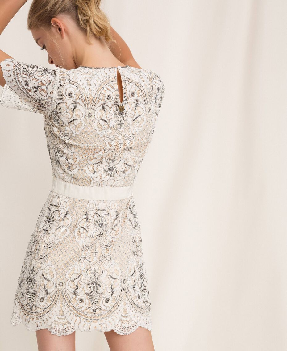 Кружевное платье с вышивками Слоновая кость женщина 201TP2462-02