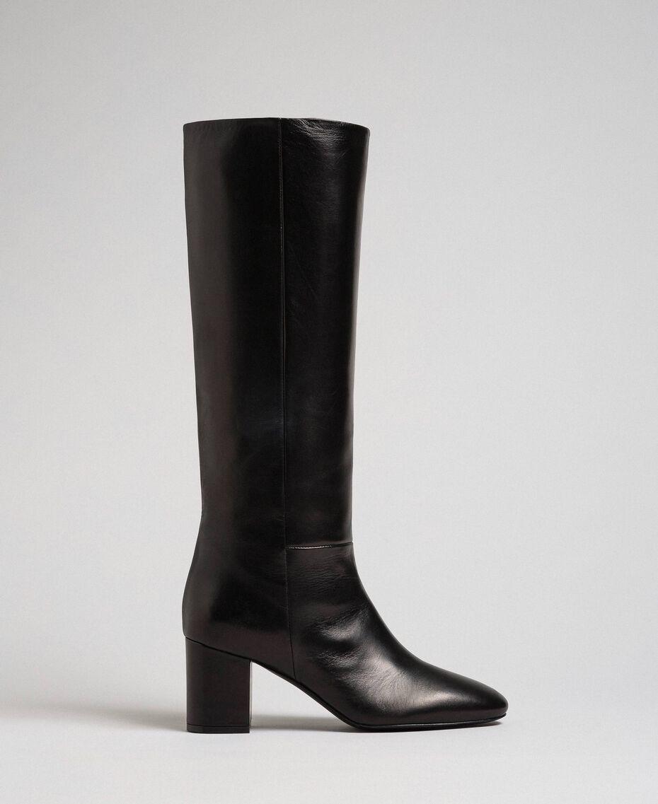 Hoher Stiefel aus Leder Rote-Bete-Rot Frau 192TCP100-02