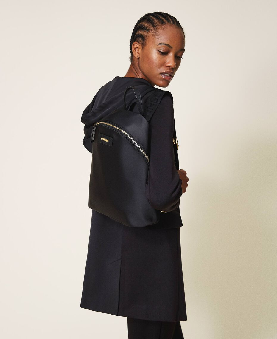 Twinset Bag im Rucksackformat aus Satin Schwarz Frau 202TB7201-0S