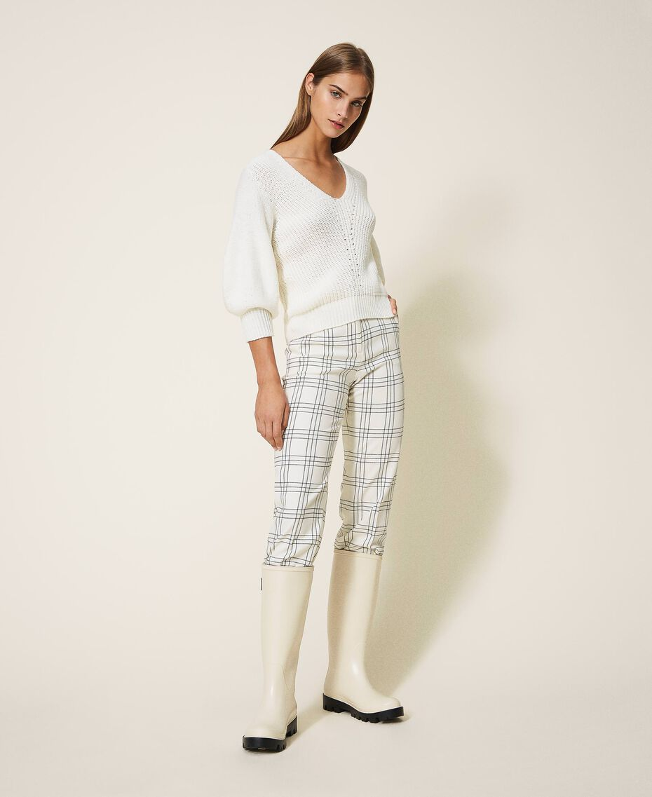 "Chequered wool blend cropped trousers Two-tone ""Snow"" White / Black Woman 202TP254C-01"