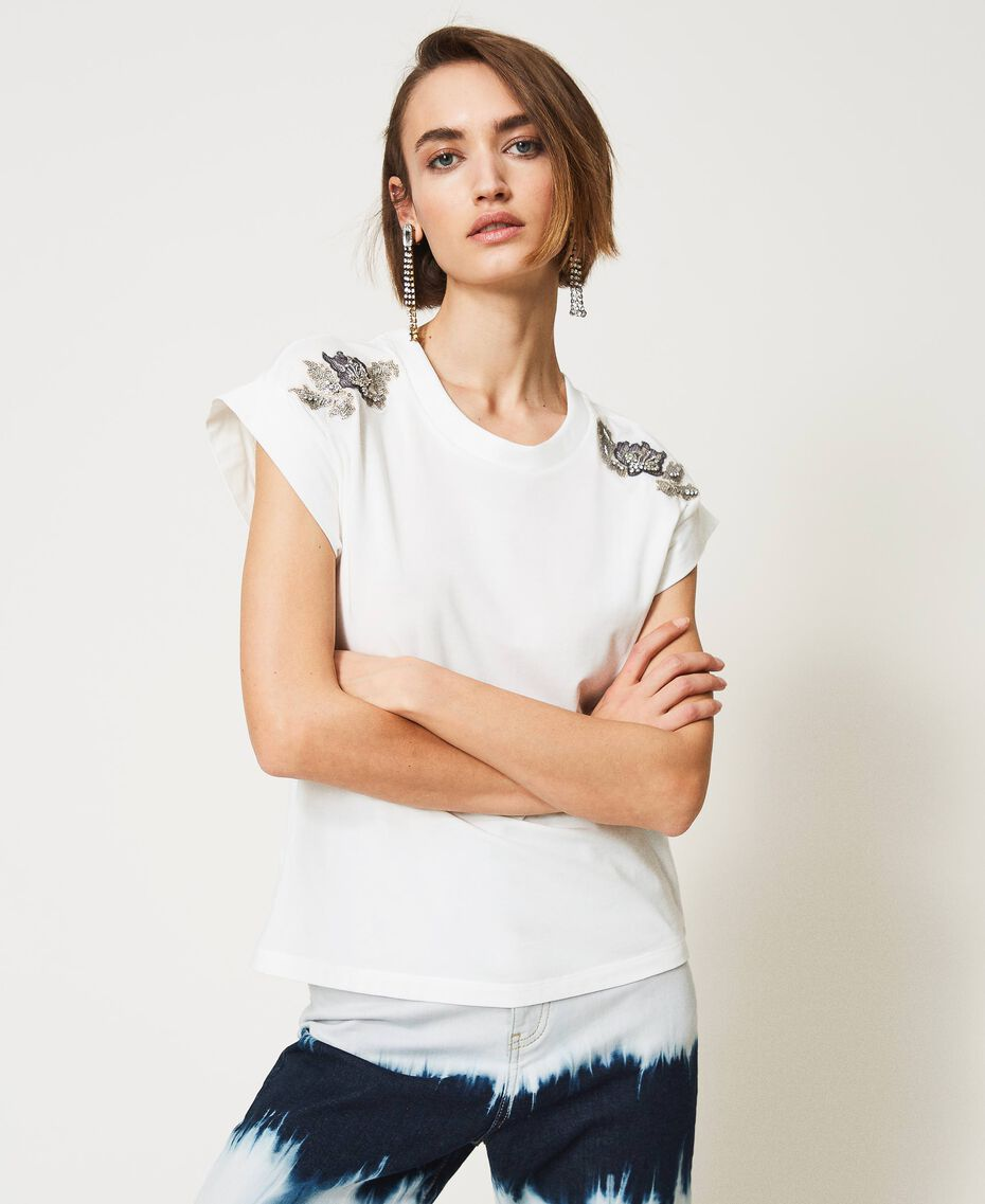 T-shirt with patch embroidery Off White/Patch Embroidery Woman 211MT2668-03