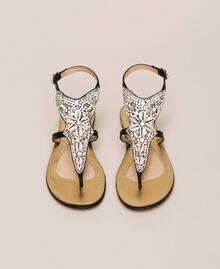 Flache Sandale aus Leder mit Stickerei Nougat Beige Frau 201TCT04E-05