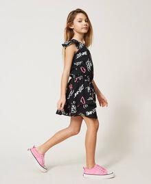 Kleid mit Allover-Logoprint Graffiti-Print Schwarz Kind 211GJ2127-02
