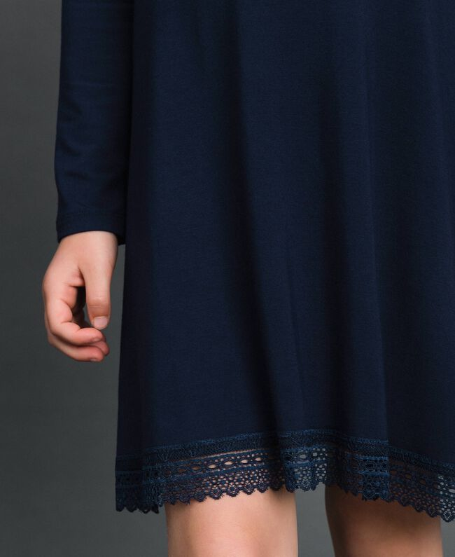 Kleid mit Spitze und Strasslogo Blue Night Kind GCN2F1-04