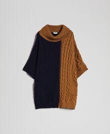 Strickponcho mit Zopfmuster Sequoia-Beige / Nachtblau Frau 192ST4784-0S