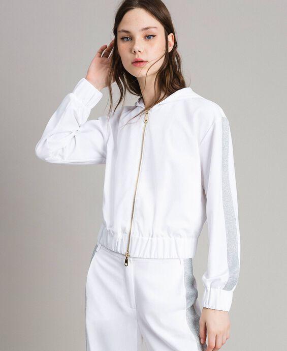 Sweat shirt avec capuche et fermeture éclair