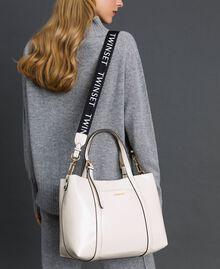 Borsa shopper in similpelle effetto vernice Bianco Neve Donna 192TO8150-0S