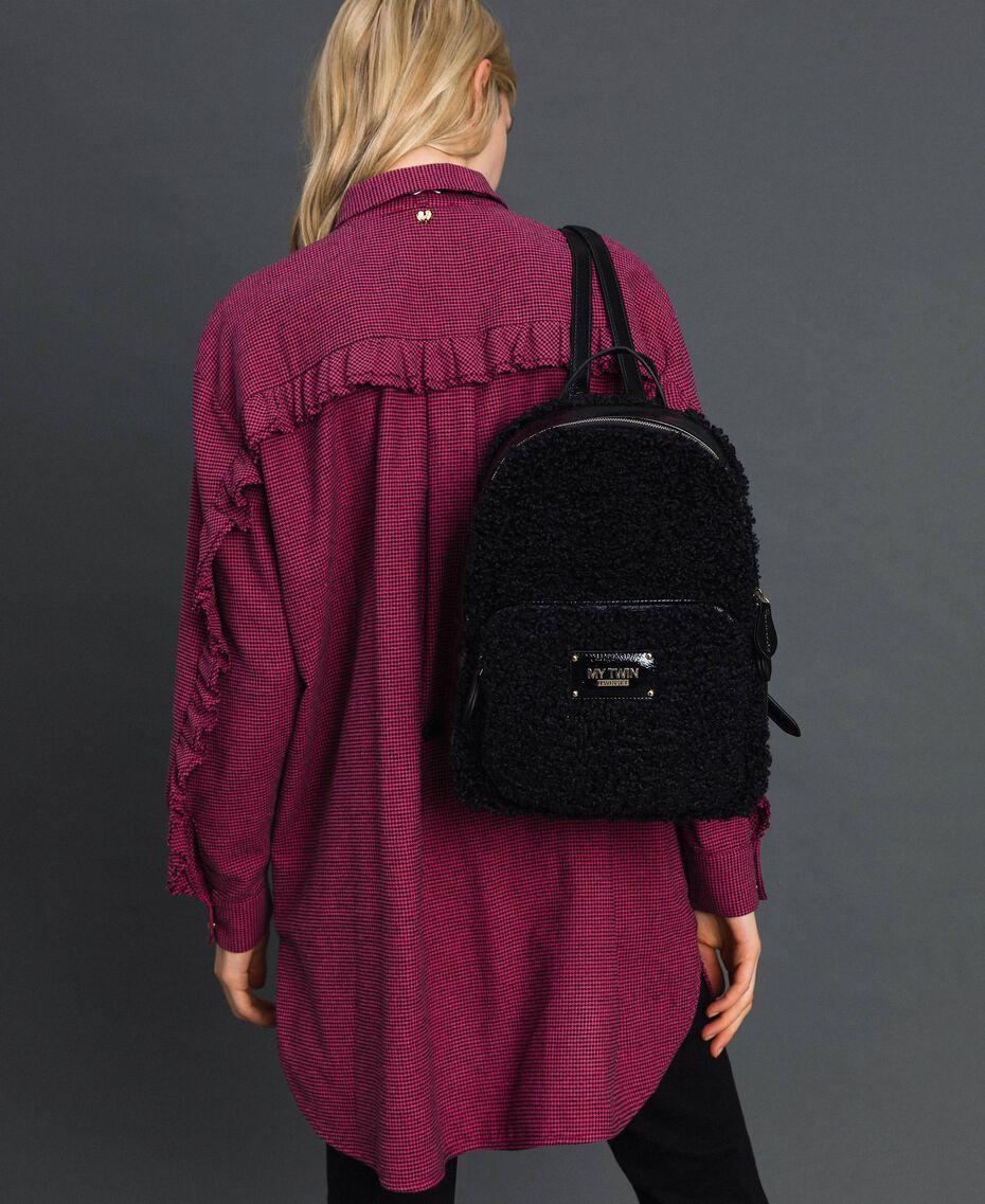 Sac à dos en fausse fourrure avec poche avant Noir Femme 192MO8080-0S