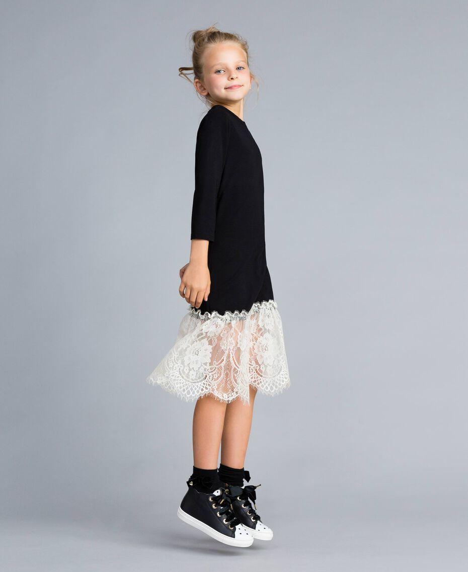Robe longue en jersey avec dentelle Bicolore Noir / Blanc Cassé Enfant GA82GN-02