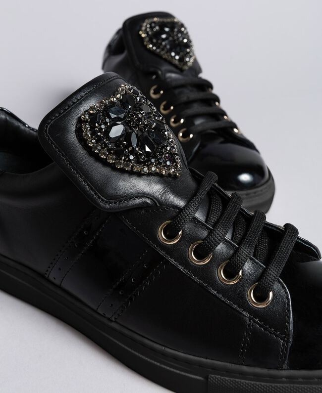 Leather sneakers with heart patch Black Woman CA8PB1-04