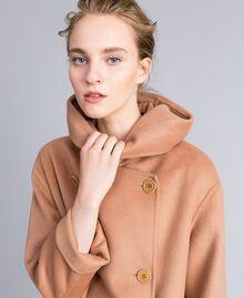 Zweireihiger Mantel aus doppellagigem Tuch Camel Frau PA8263-04