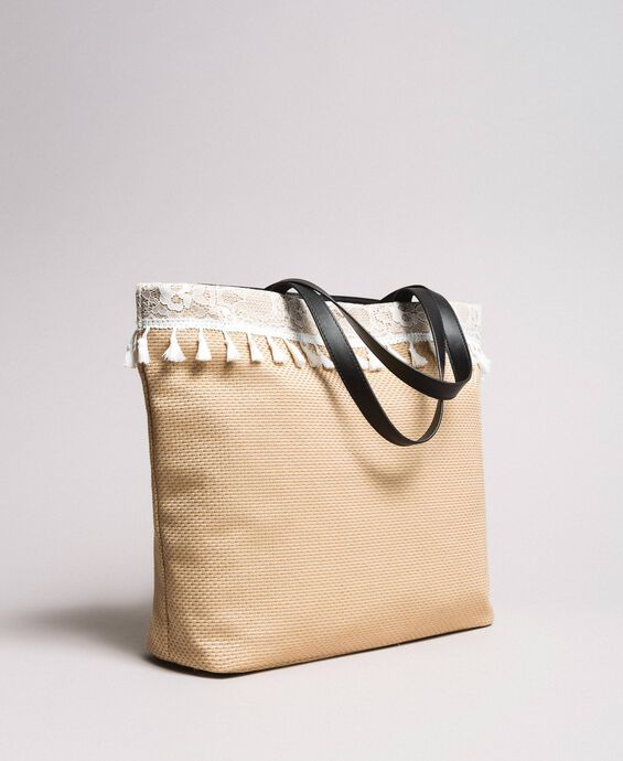 Beach bag with lace and mini tassels
