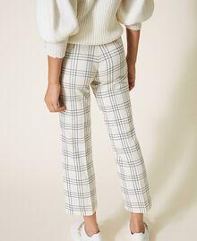 Pantalon cropped en laine mélangée à carreaux Carreaux Bicolore Blanc «Neige» / Noir Femme 202TP254C-05