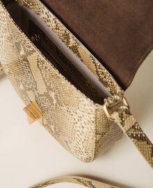 Umhängetasche aus Leder mit exotischer Prägung Pythonprägung Pastel Skin Frau 202TD8050-05