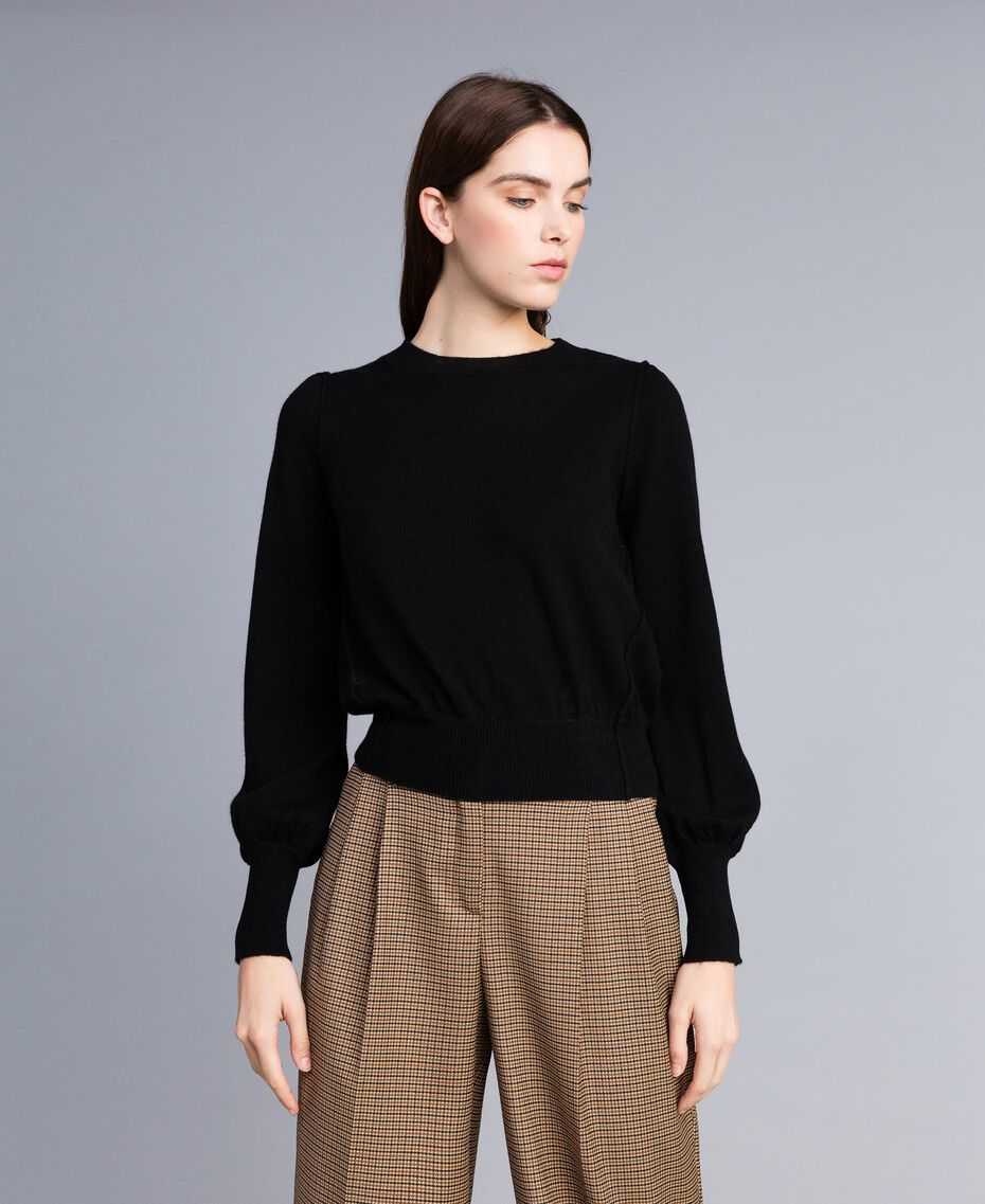 Pull boxy en laine et cachemire Noir Femme TA83AD-01