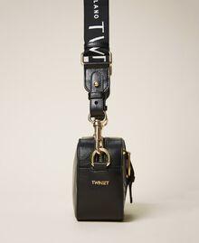 """Kleine """"Rebel""""-Camera-Bag mit Umhängeriemen Leder Frau 202TB723R-02"""