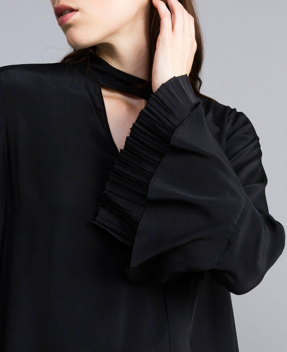 Robe courte en soie mélangée avec plissé Noir Femme TA823S-05