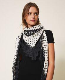 Heart motif print and lace kefiah Cream White / Black Heart Print Woman 202MA432H-0S