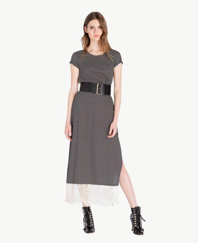 Langes Kleid mit Streifen Streifen Elfenbein / Schwarz Frau PS82H3-01