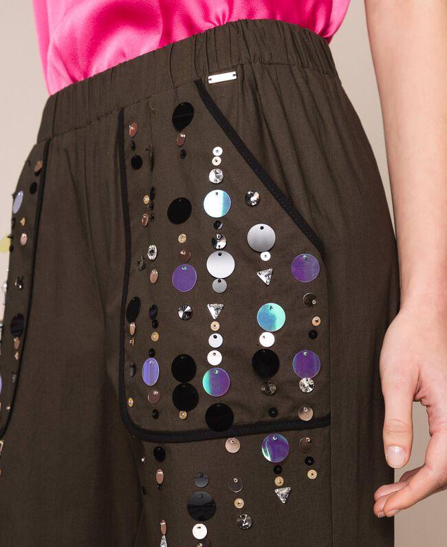 Поплиновые брюки-джоггеры с вышивкой Зеленый Вяз женщина 201ST2026-04