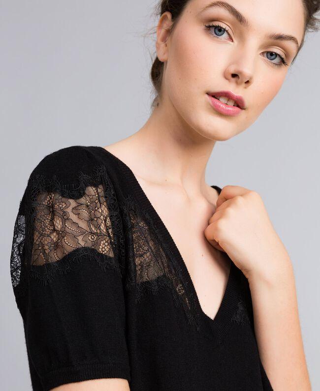 Robe en laine mélangée avec incrustations en dentelle Noir Femme PA83AA-04
