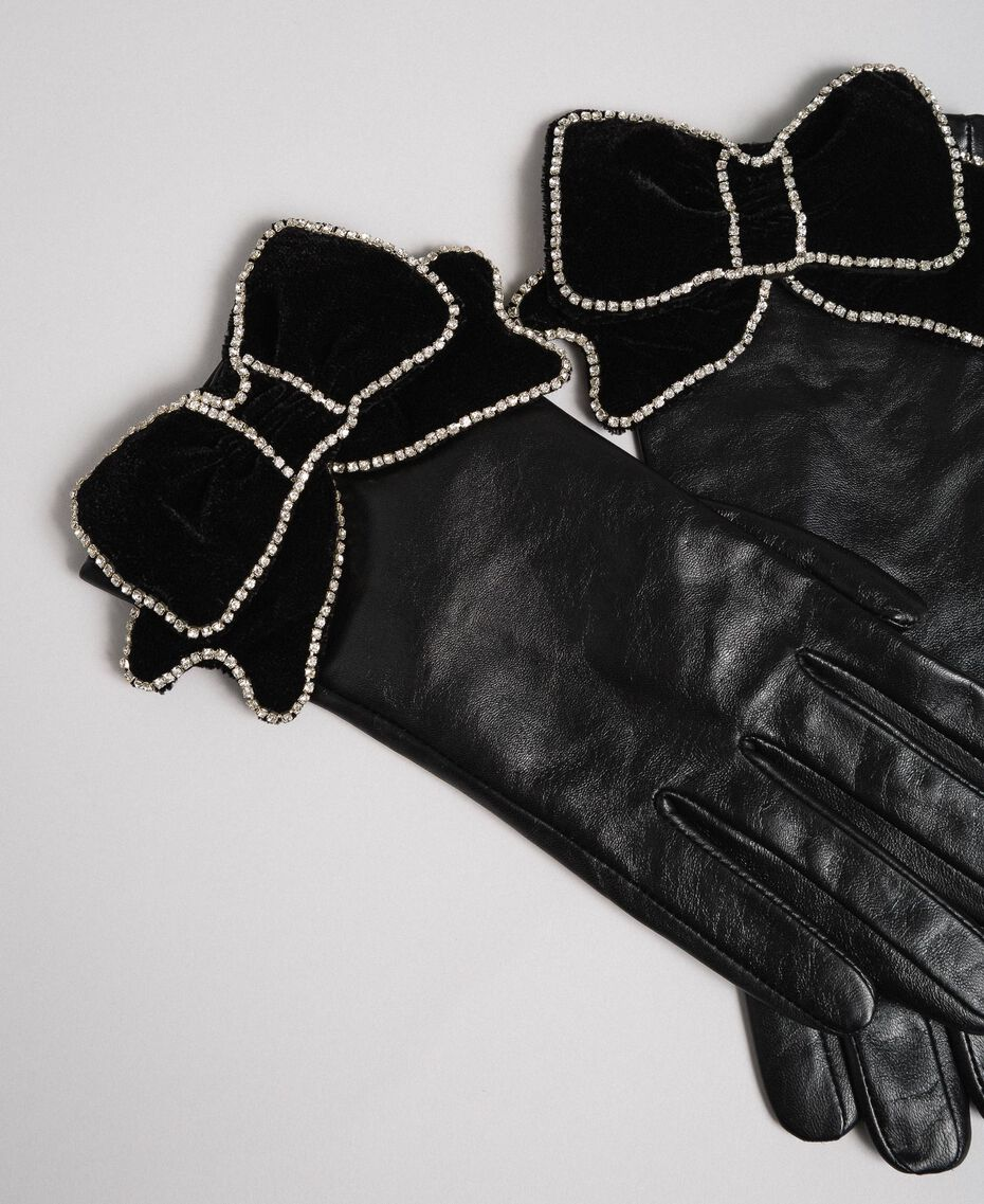 Leather gloves with velvet and stone bow Black Woman 192TA4343-01