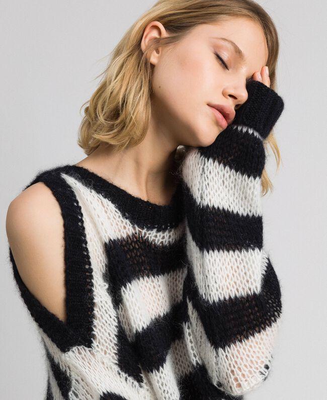 Gestreifter Pullover aus Mohair Streifen Schwarz / Pergamentweiß Frau 192TP3271-01