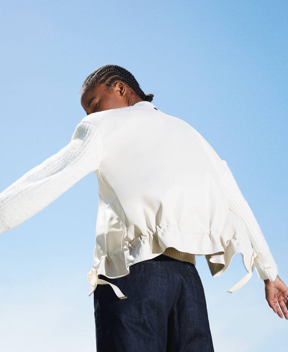Бомбер из искусственной кожи с вязаными рукавами Бело-кремовый женщина 202MP2520-01