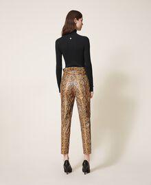 Pantalon en similicuir animalier Imprimé Serpent Noisette / Tabac Femme 202TT2225-03