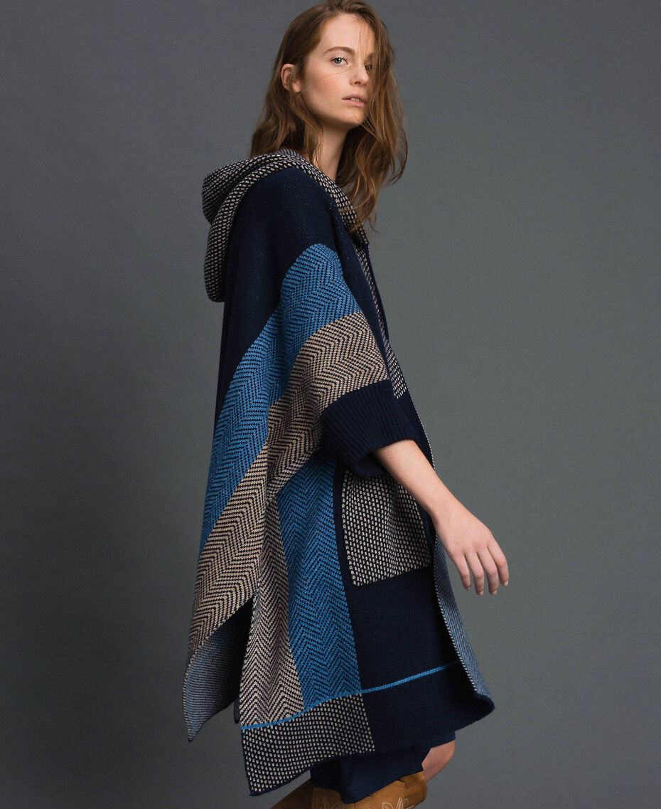Wool blend cape with jacquard patterns Night Blue Chevron Jacquard Woman 192ST3030-02