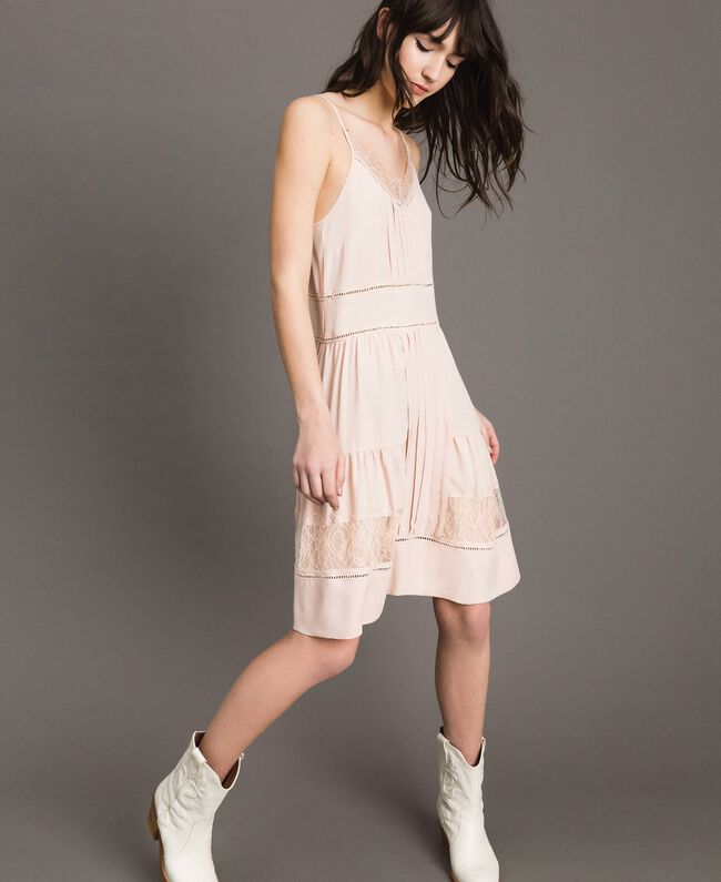 Kleid mit Spitze aus Seidenmischung Blütenknospenrosa Frau 191TP2741-01