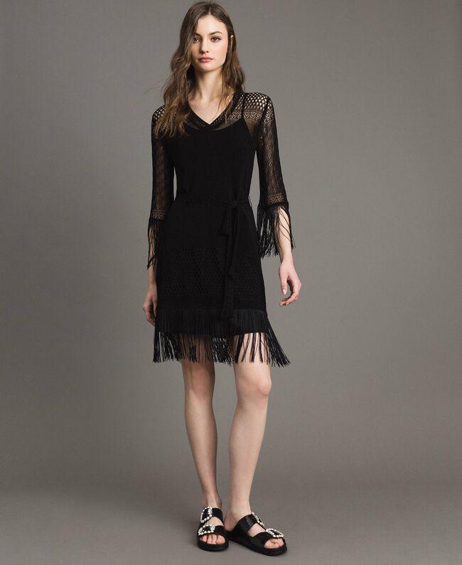 Kleid mit Netzmaschen und Fransen Schwarz Frau 191TT3060-01
