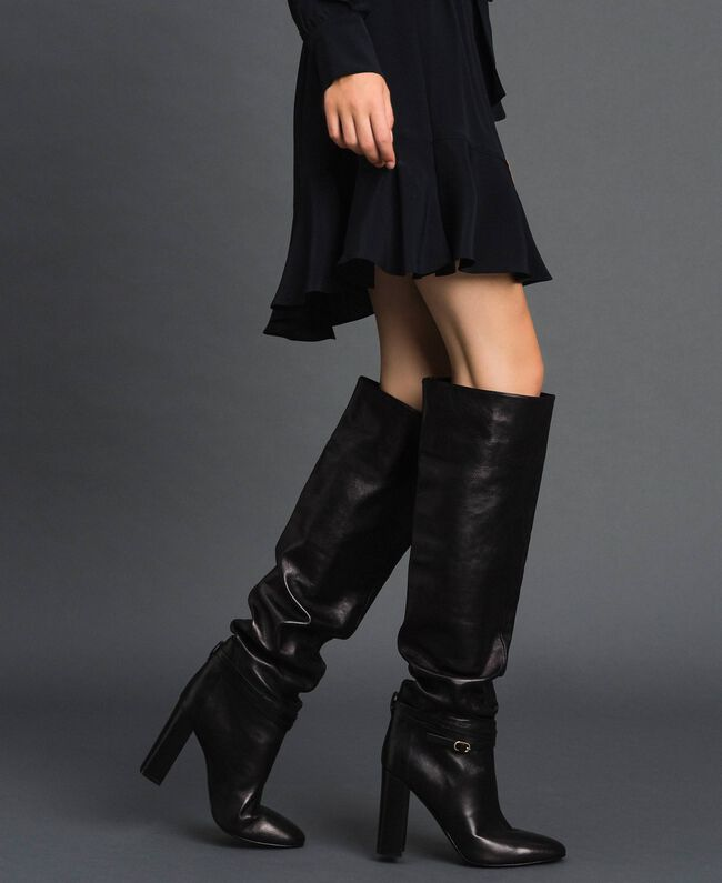 Leather thigh-high boots with strap Black Woman 192TCP106-0S