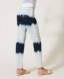 Slouchy-Jeans mit Tie-Dye Tie-Dye-Denim Frau 211MT211D-05