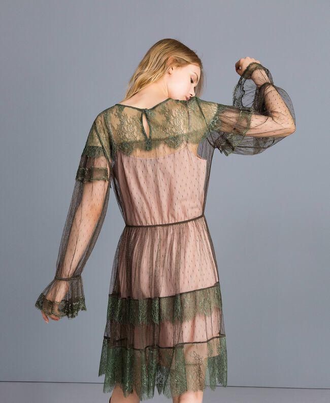 Kleid aus Plumetis-Tüll und Spitze Waldgrün Frau TA82XB-03