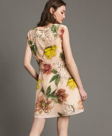 "Chinakrepp-Kleid mit Blumenmuster All Over ""Shell"" Beige Flower Motiv Frau 191MT2211-03"