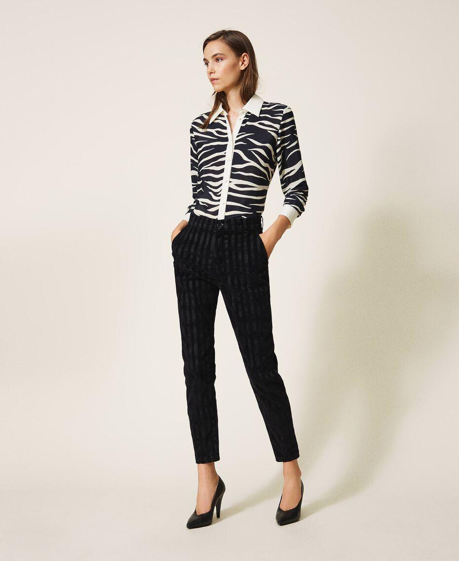 Классические джинсы с эффектом полосок Черный Деним женщина 202MP2231-01