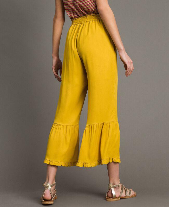 """Hose mit Rüschen aus Seidenmischung """"Honey Gold"""" Frau 191TT2073-03"""