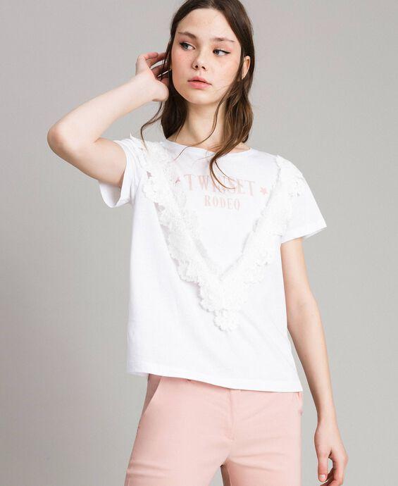 T-shirt avec dentelle