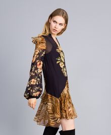 "Kurzes Kleid mit Printmix Print-Mix ""Flowers&Tiger"" Frau TA825C-02"