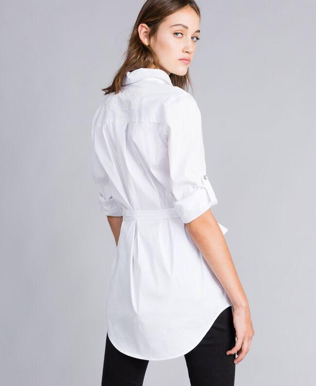 "Chemise longue en popeline stretch Blanc ""Ice"" Femme JA82JA-03"