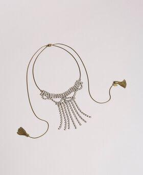 Collier chocker orné de strass et de pompons métalliques
