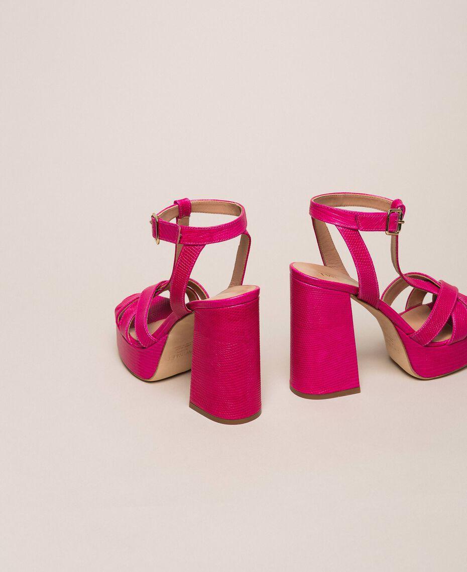 T-Bar-Sandalette aus Leder Amarena Frau 201TCP070-03