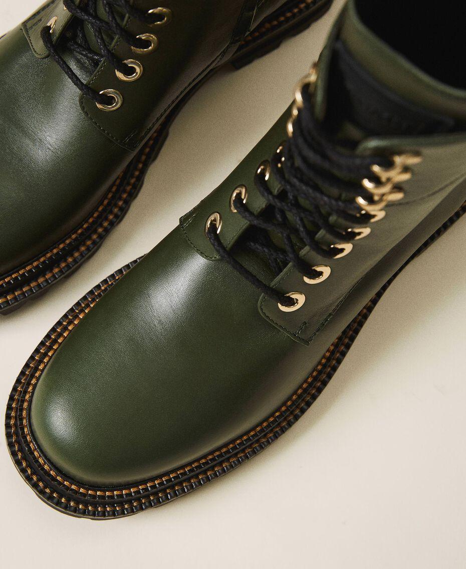 Schnürstiefelette aus Leder Dark Olive Green Frau 202TCP182-02