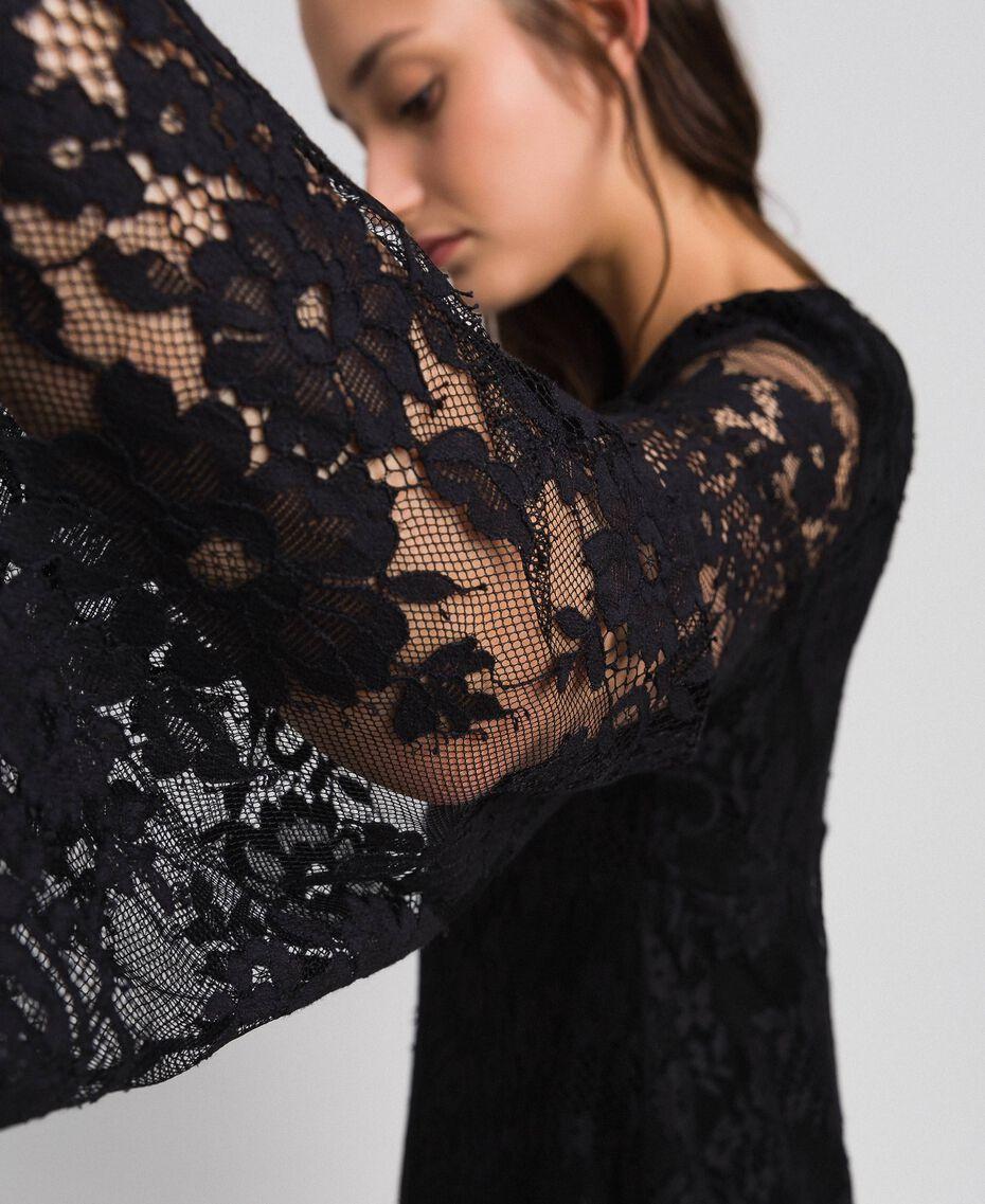 Kurzes Kleid aus Spitze Schwarz Frau 192LI21EE-01