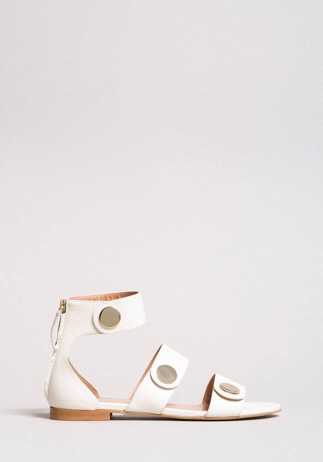 Sandalias de piel con botones