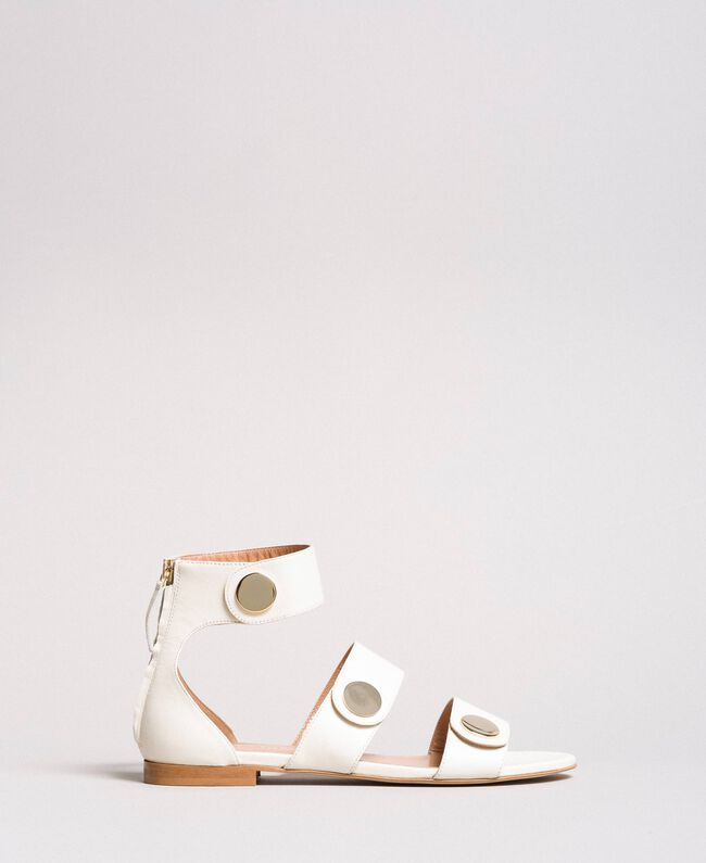 Sandale aus Leder mit Knöpfen Weiß Schnee Frau 191TCP094-01